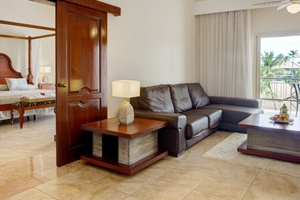 One Bedroom Suite with Jacuzzi - Hotel Majestic Colonial Punta Cana